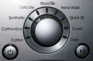 Bedienteil einer Waschmaschine mit Funktionen und Waschgängen